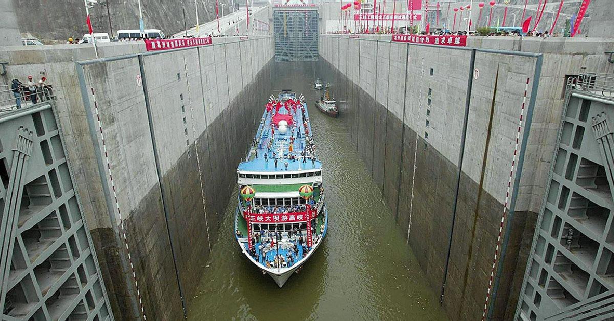 當代中國-中國科學-原來三峽工程的設計標準可正常應對千年一遇洪水;校核標準甚至可以抵禦萬年一遇洪水再加10%。