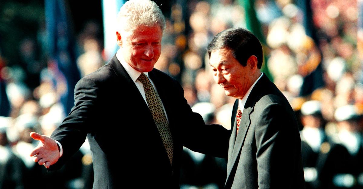 美國卻在中方不知情下,在網上發布由其單方面起草的「中美聯合聲明」,將中國並未答應的項目公諸於世,稱爲談判結果,企圖逼中國就範。