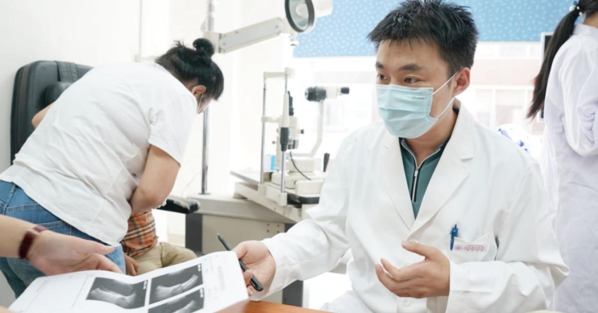 當代中國-中國新聞-眼科醫生陶勇