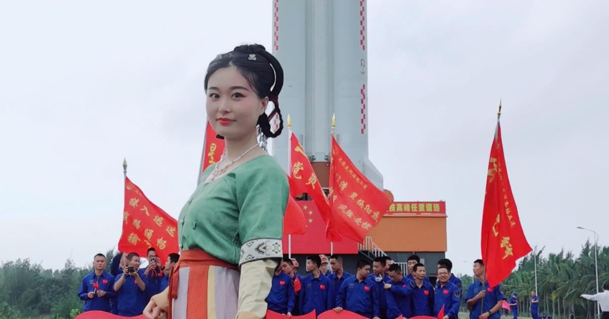 當代中國-嫦娥五號太空女將