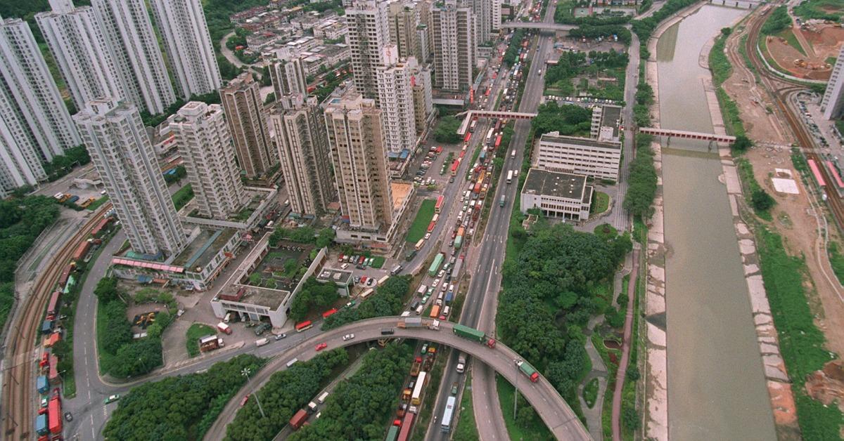 當代中國-飛凡香港-屯門公路塞車不分日夜苦了屯門居民