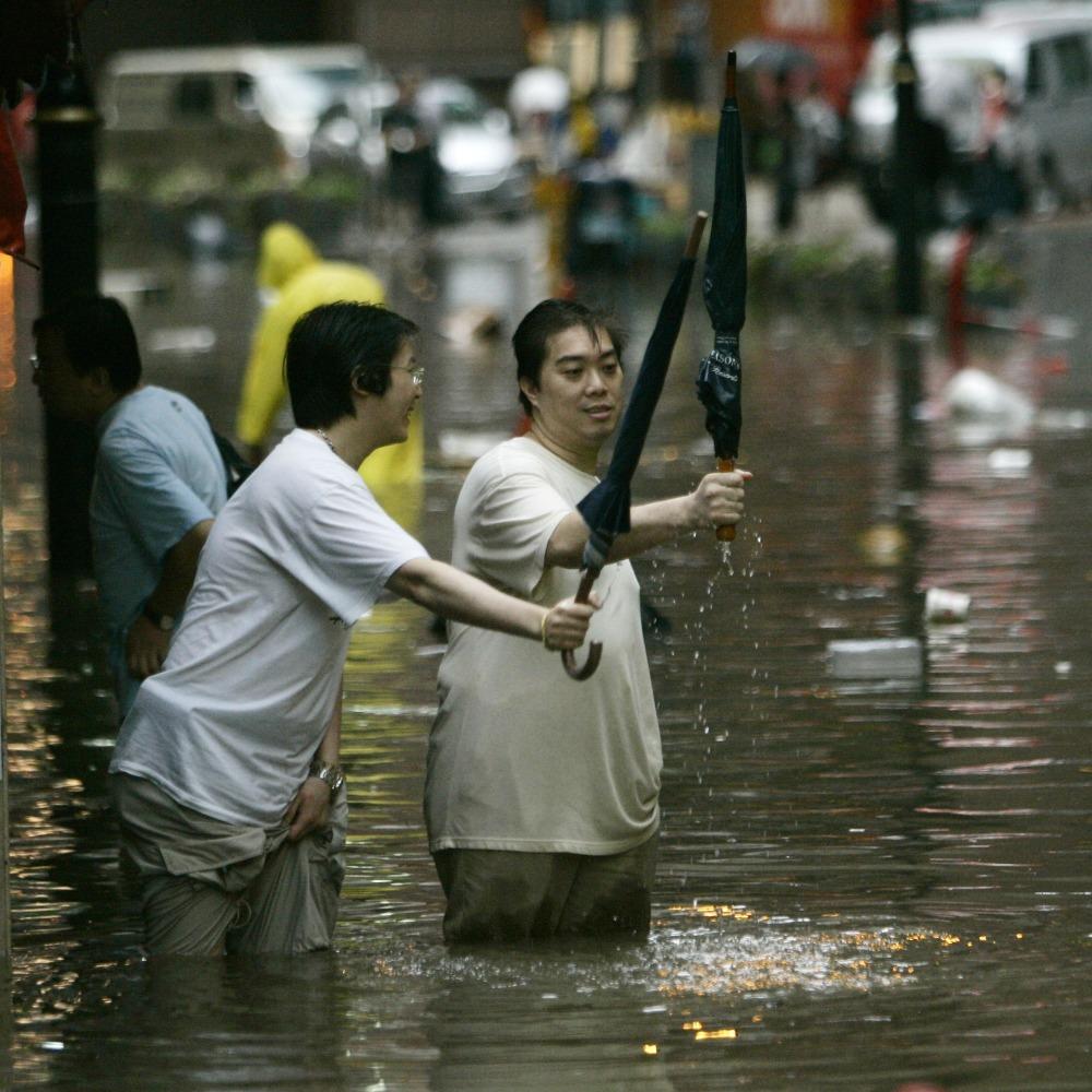 當代中國-飛凡香港-2008年香港暴雨大澳斷路斷水變「孤城」