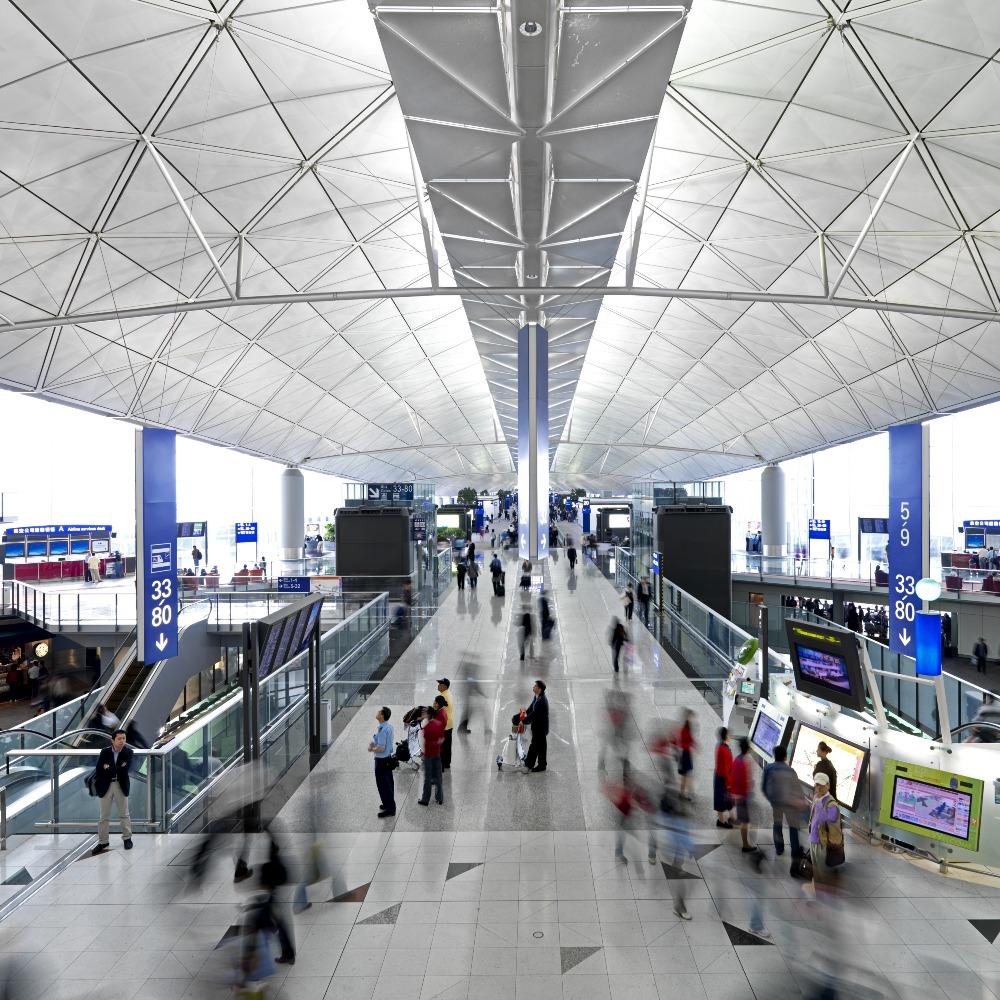 當代中國-飛凡香港-當年今日香港國際機場取代舊啟德創造經濟新機遇