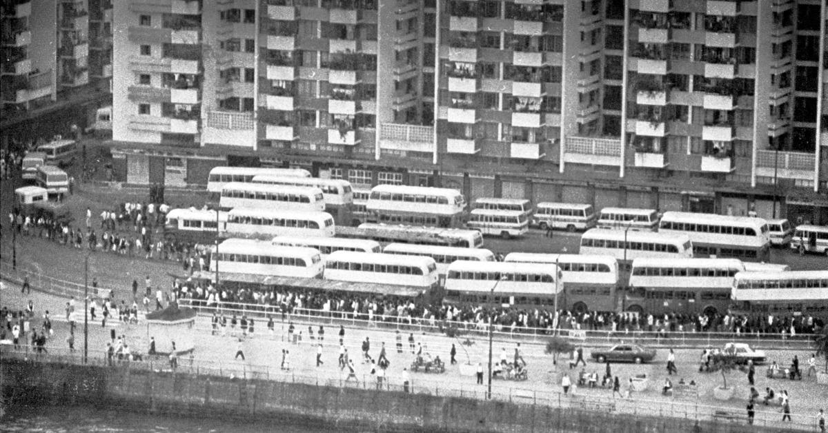 當代中國-飛凡香港-再見藍巴士當年今日中巴結束專營巴士線