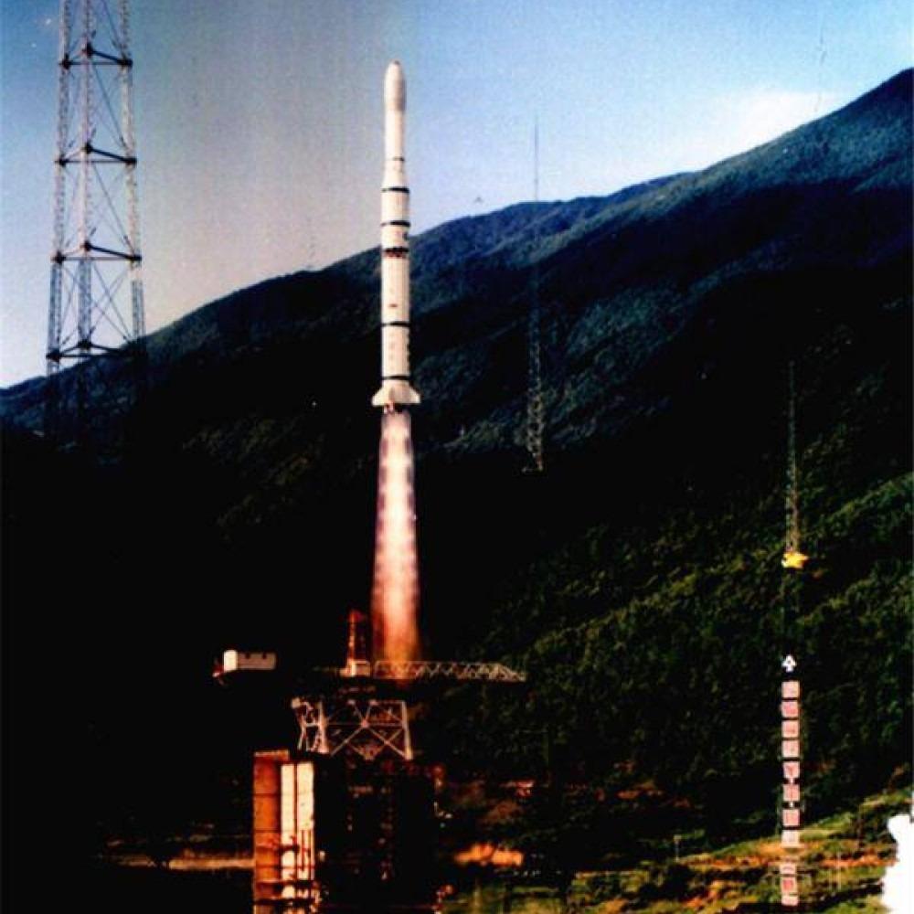 當代中國-改革開放-成功發射亞洲一號衛星中國航天科技走向國際