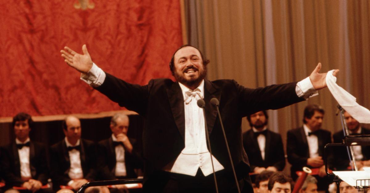 當代中國-改革開放-改革開放世界男高音訪華巴伐洛堤北京唱意大利歌劇