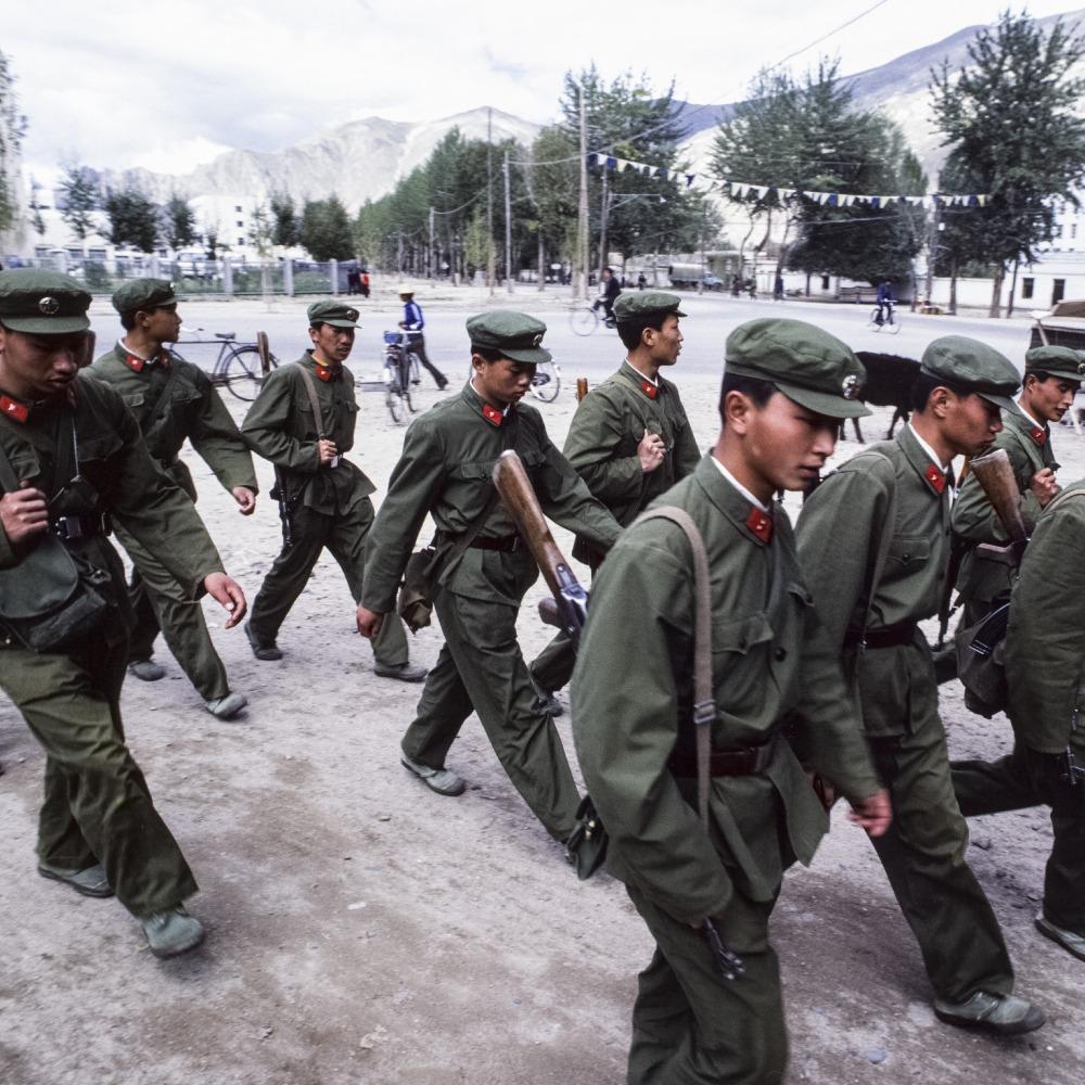 當代中國-改革開放-改革開放鄧小平百軍裁軍減冗員提升軍政素質