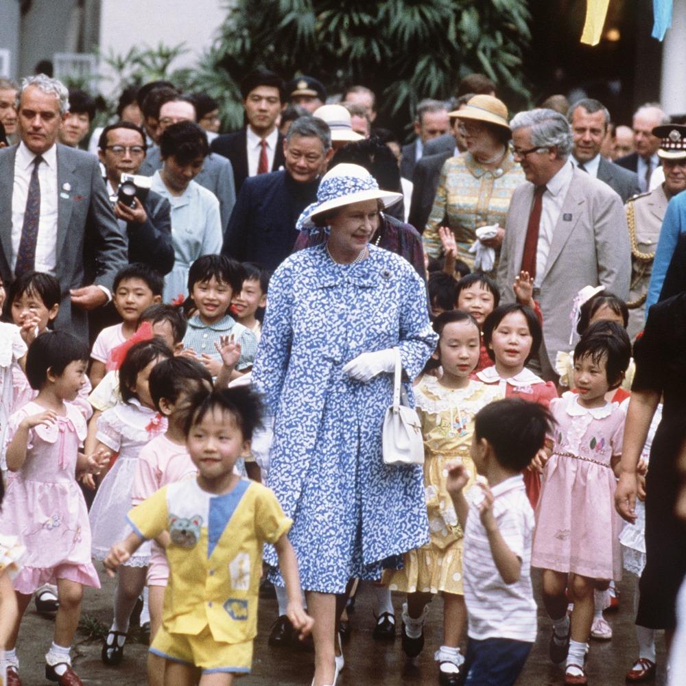 當代中國-改革開放-英女王伊利沙伯二世訪華,是歷史上英國國家元首第一次訪華。
