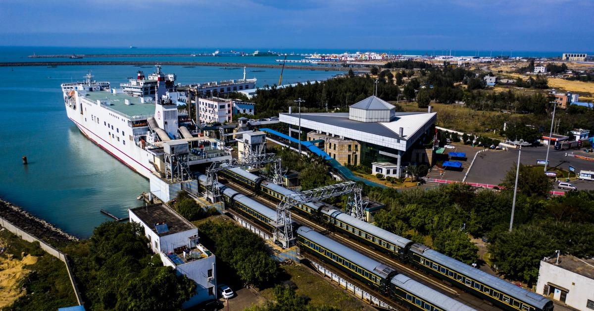 當代中國-當年今日-粵海鐵路