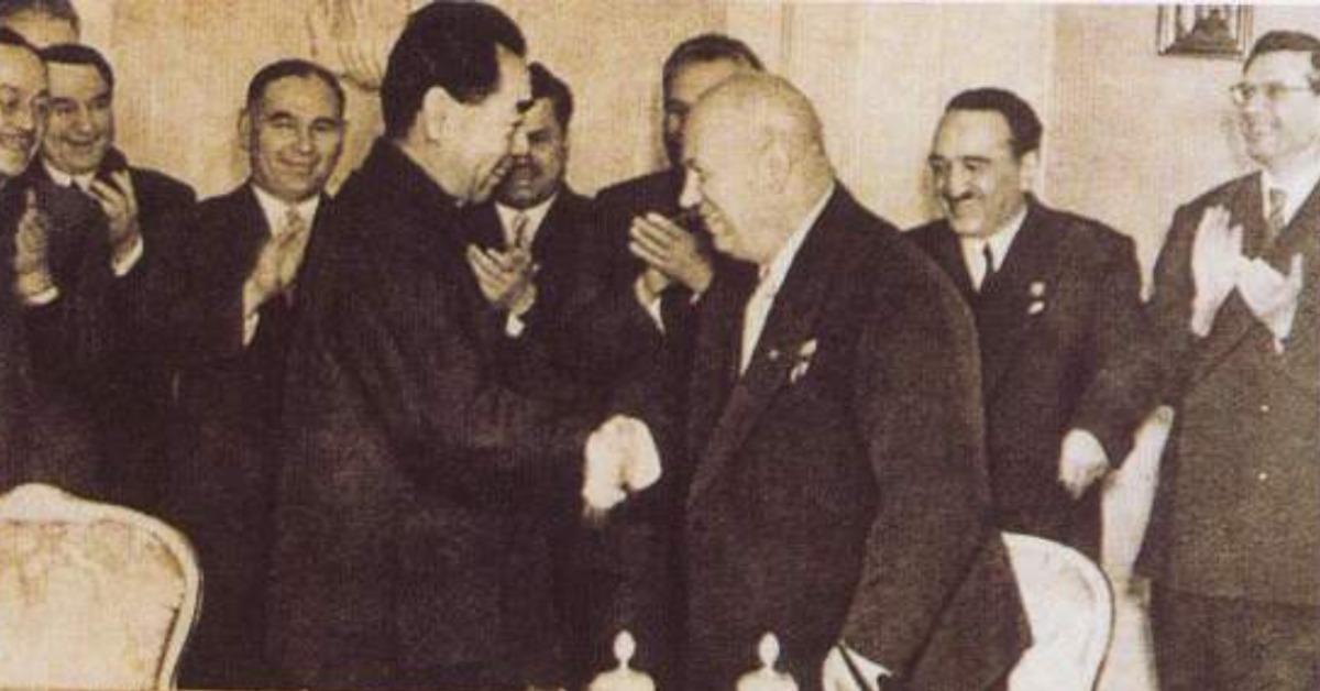 當代中國-當年今日-中蘇協定