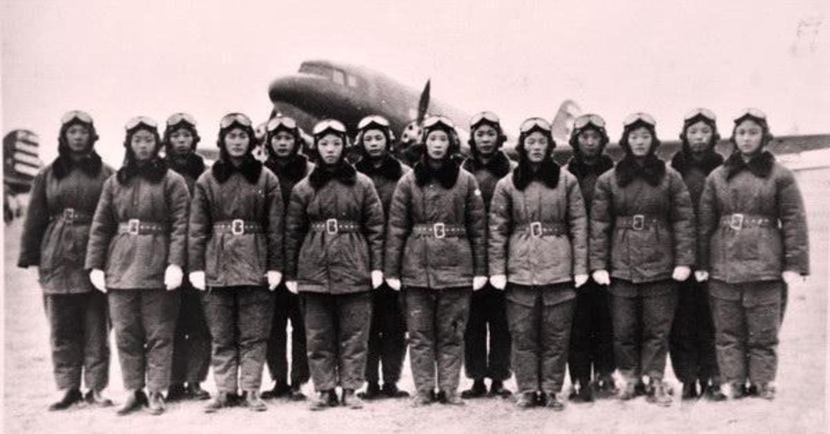 當代中國-當年今日-中國女飛行員
