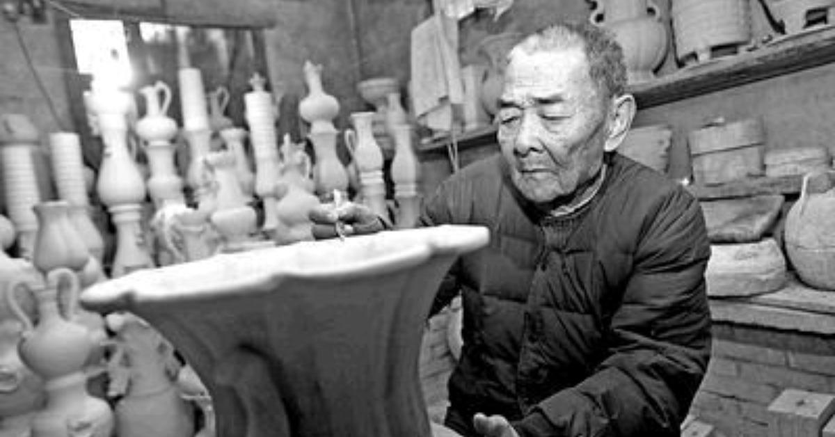 當代中國-當年今日-晉佩章逝世
