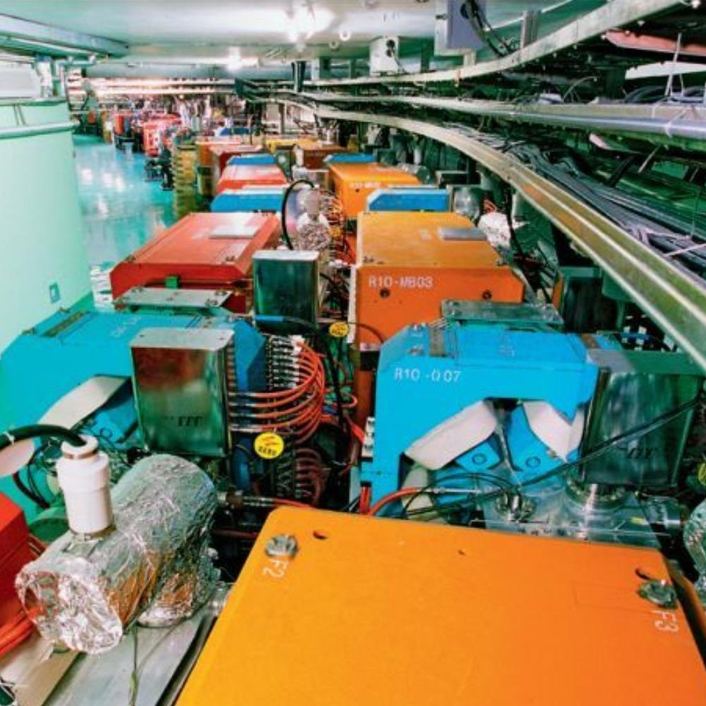 當代中國-當年今日-正負電子對撞機