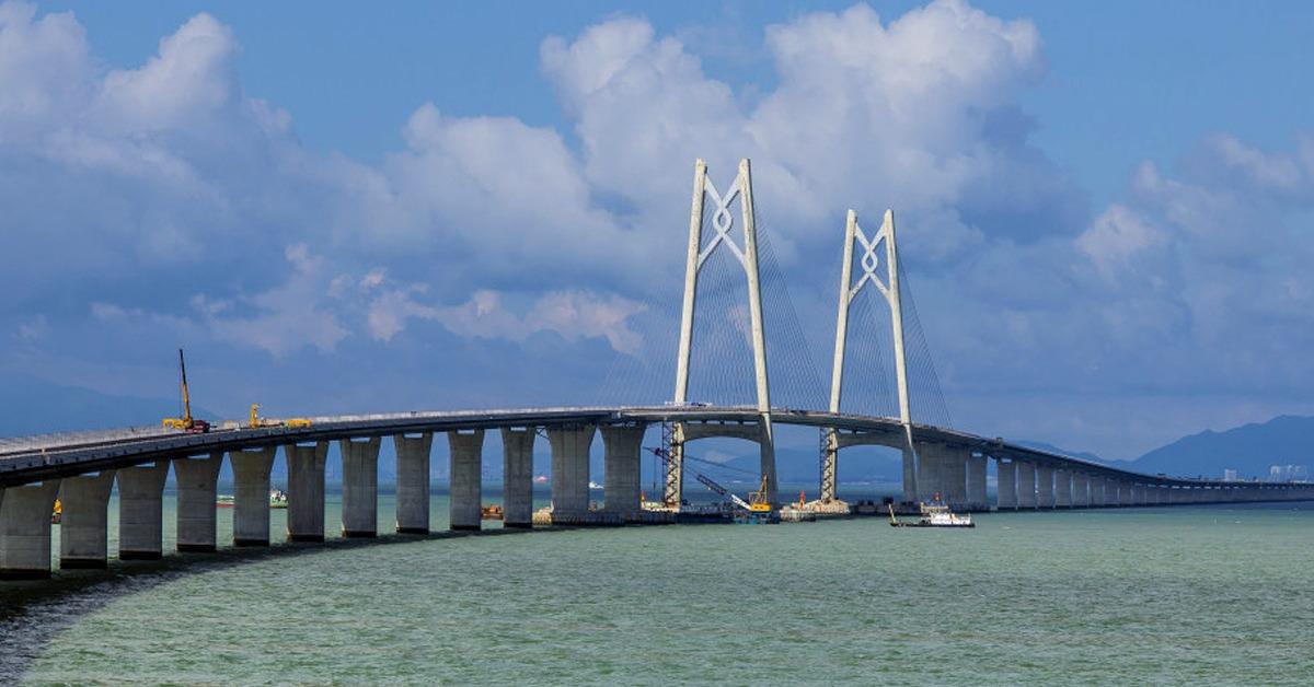 當代中國-當年今日-港珠澳大橋